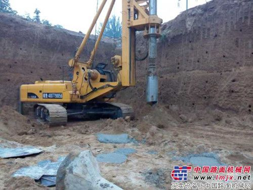 石家庄工地郑州富岛机械FD168A型旋挖钻机大展雄风!强!强!强!