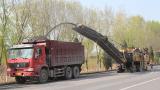 卡特彼勒PM200铣刨机在北京木燕路施工作业