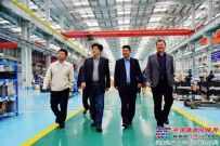 李金章大使视察徐工巴西制造表示:徐工是我见过巴西当地规模最大的中国制造企业