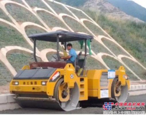 徐工压路机助力渭玉高速公路建设