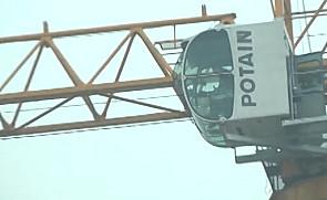 沪通长江大桥上的波坦塔机