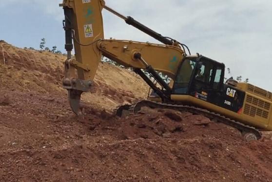 四川首台三一 855挖掘机工作视频