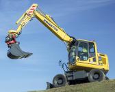 小松PW148-10轮式挖掘机:节能环保 作业效率高
