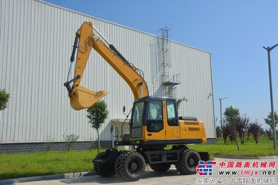 徐工首台桥箱一体化轮式挖掘机成功下线 宣工公司召开8月份干部