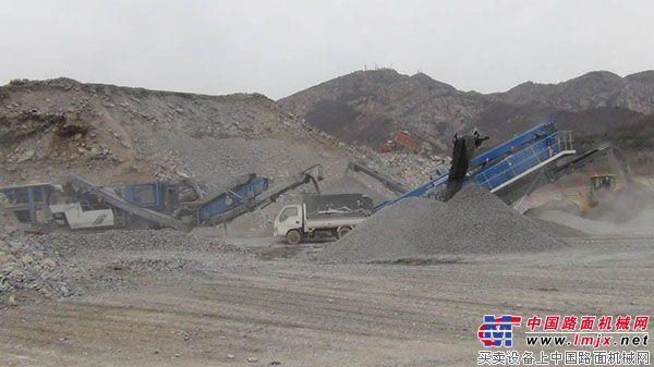 克磊镘MR 110 Z EVO移动反击式破碎设备:为客户提供经济高效的石料加工方案
