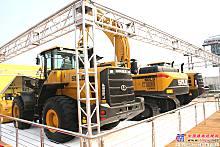 山东临工E6360F液压挖掘机、L968F轮式装载机、L956F轮式装载机