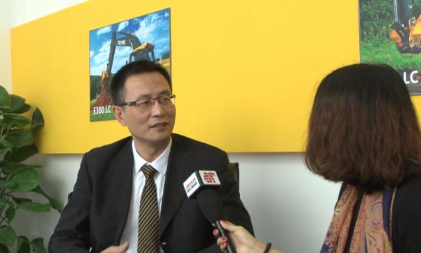 中国路面机械网专访约翰迪尔中国区市场销售总经理郎云
