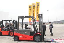 2015年亚洲国际物♀流展――厦工叉车展区
