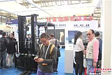 2015年亚@ 洲国际物流展――比亚迪新能源叉车展区
