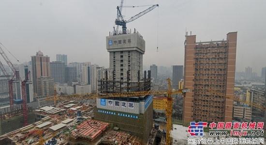"""湖南第一高楼深基坑施工 同场竞技宇通锚杆钻""""秒杀""""德国造"""