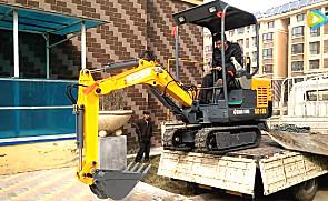 卸车视频 据说只有1%的挖掘机师傅能做到