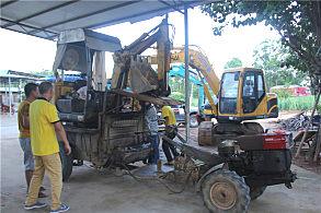 玉柴小挖运输很方便,只要一部手扶拖拉机就可以搞定
