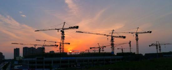 """川建""""SCM""""塔机群参与""""建筑工业化""""样板楼施工"""