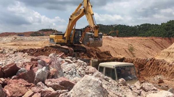 玉柴重工挖掘机玉林博白教育城建设项目施工视频