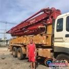 海南一村民驾驶自家370万元混凝土泵车入水救人