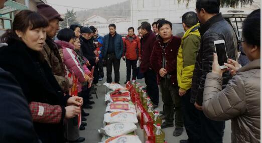 参加云龙社区困难家庭慰问活动