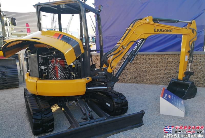 柳工CLG9035E微型挖掘机亮相拉斯维加斯