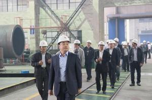 沥青搅拌设备行业高峰会议嘉宾参观无锡雪桃工厂
