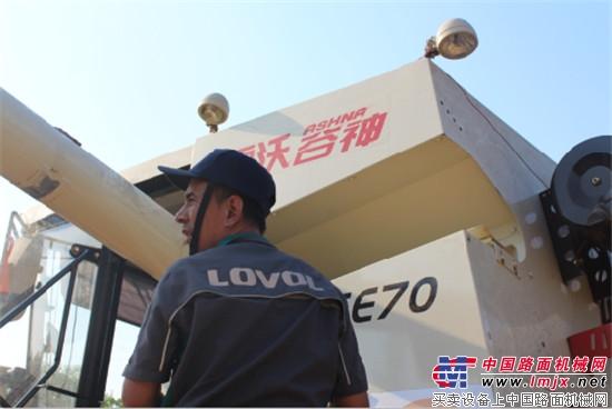 """雷沃服务队员刘兆刚 三夏麦田里的""""老炮儿"""""""