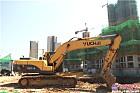 玉柴挖机在工地上干活