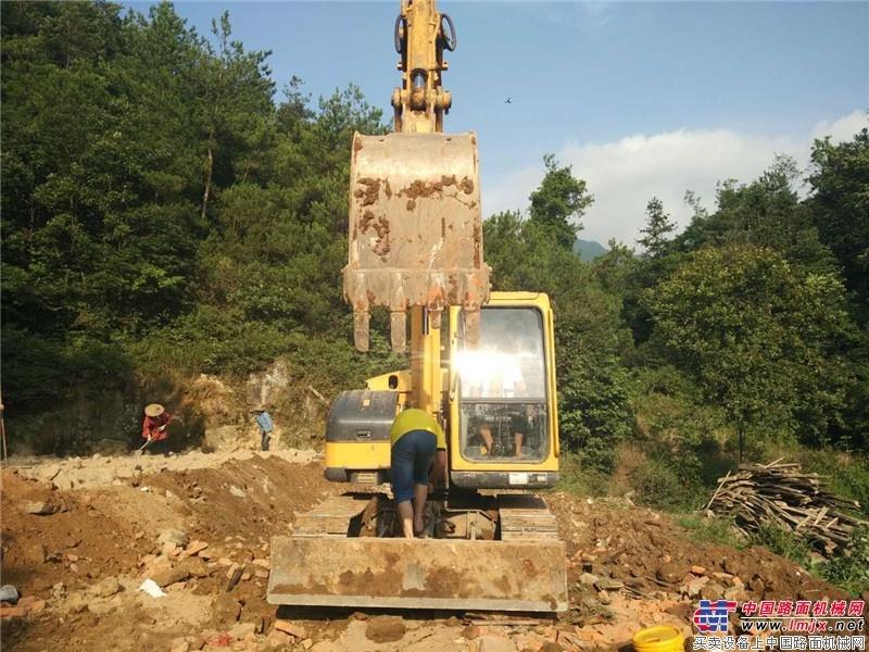 玉柴重工小挖在施工现场