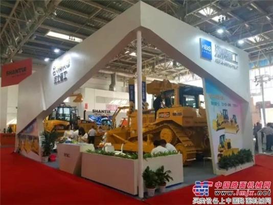 推土机霸主宣工   携业内标杆产品震撼亮相北京展