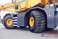 【霸气】徐工越野轮胎吊横穿阿拉善沙漠  助力国家1.5万座电网架建设