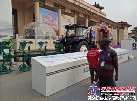 智慧雷沃亮相北京第十五届农交会 雷沃重工:休假期的报修电话,