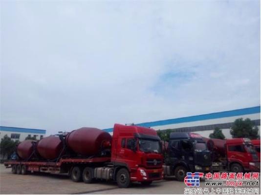 深耕海外市场 中联重科搅拌车批量发往印度尼西亚