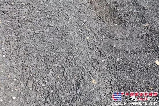 废旧沥青料淘金!南方路机沥青混合料再生设备