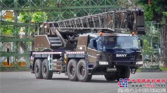 三一起重机深受海外市场欢迎,STC800列装南美劲旅阿根廷陆军!