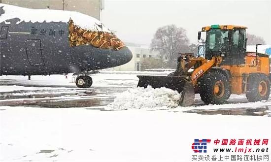 寒潮来袭!风雪中的温暖,徐工装载机常伴左右!