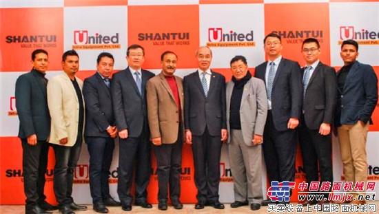 山推张秀文董事长走访尼泊尔市场并参加OPENDAY活动