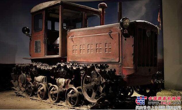 历史的记忆,那些年老式拖拉机的珍贵影像