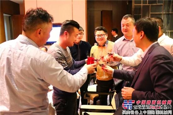 新年伊始,宝峨举办杭州技术交流会、武汉和深圳客户答谢晚宴,感恩客户,共话发展