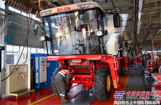 雷沃阿波斯农业装备喜迎产销旺季开门红