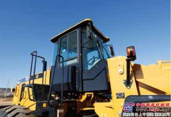 山工SEM663D 轮式装载机:强进动力,高效节能