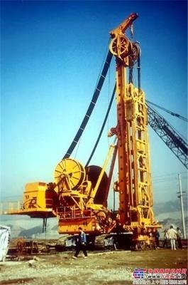 德国宝峨双轮铣发展三十四年的新成果——BCS 40双轮铣槽机和CSM 35双轮铣深搅设备