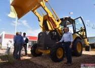 山东临工挖掘装载机B876F强势登陆拉美市场