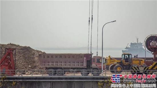 港口装卸重器之常林956T轮式装载机  常林公司