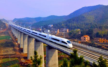 南沿江铁路预计年内开工
