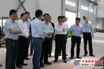 惠山区委常委、副区长杨建平一行走访泰信机械