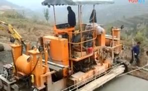 镇江路机水泥摊铺机施工视频
