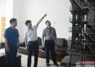 铁拓机械向来访考察团领导揭晓沥青热再生技术保持行业领先的秘诀