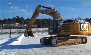 老司机把挖掘机玩透了,牛B!