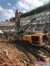 3台宝峨-克莱姆钻机40天解决广东仁新高速施工难题,北京正茂岩土公司万米200 mm直径抗滑桩工程再创佳绩