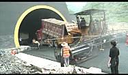 中大机械 - 6变形金刚进出隧道45秒