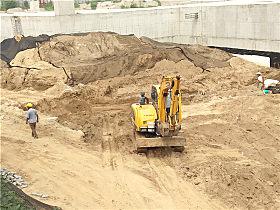 玉柴YC60-9挖掘机在工地施工
