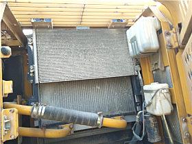 用户的空调滤网布满灰尘