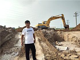 玉柴用户吴国旭有一台玉柴YC230LC-8挖掘机在工地施工
